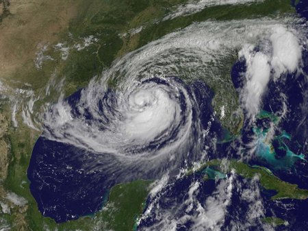 Hurricane-681513main ISAAC-LARGE-TUESDAY cropped 946-710